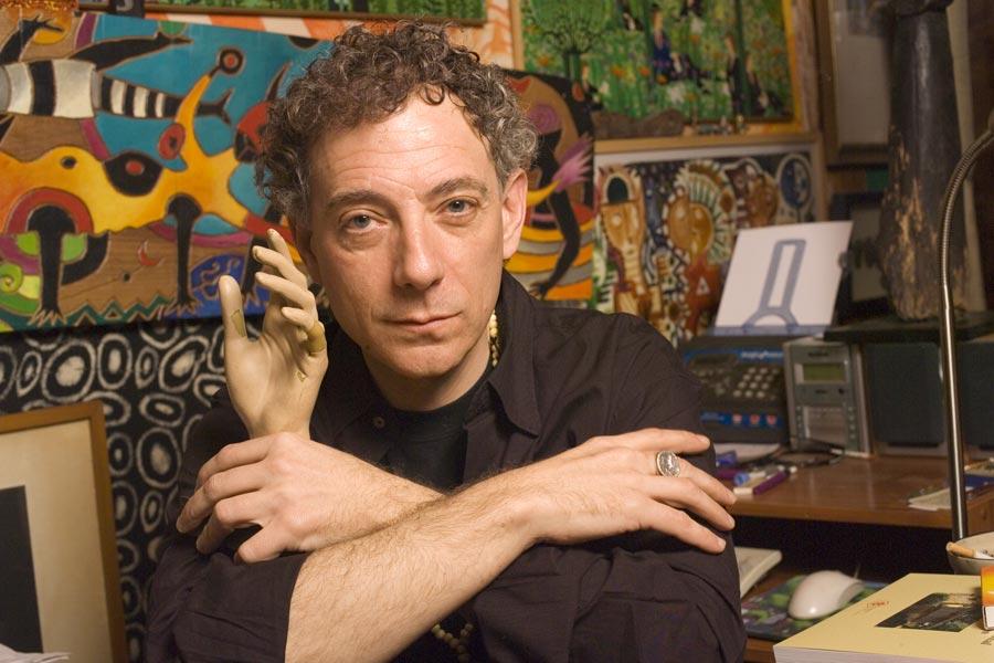 Juan Carlos Mestre en su estudio. Foto de Eduardo González Puras.