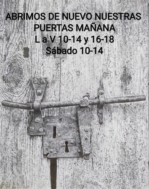 Dibujo: Inocencio Navarro, Serie Puertas, 2020,  grafito sobre cartón